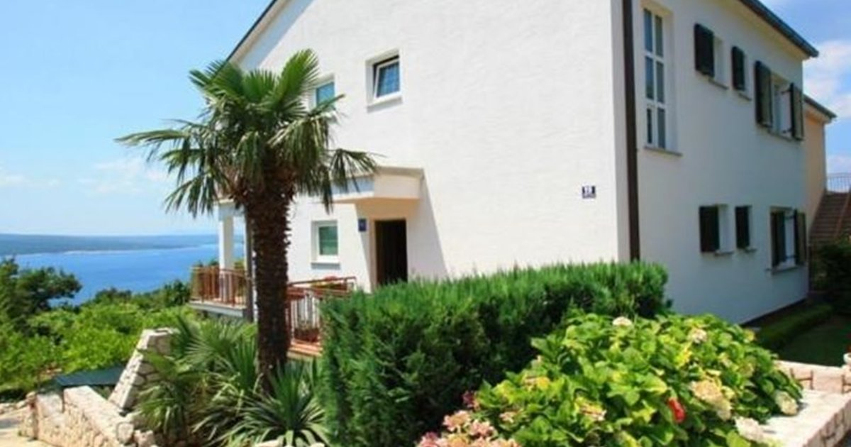 Two-Bedroom Apartment Crikvenica 3
