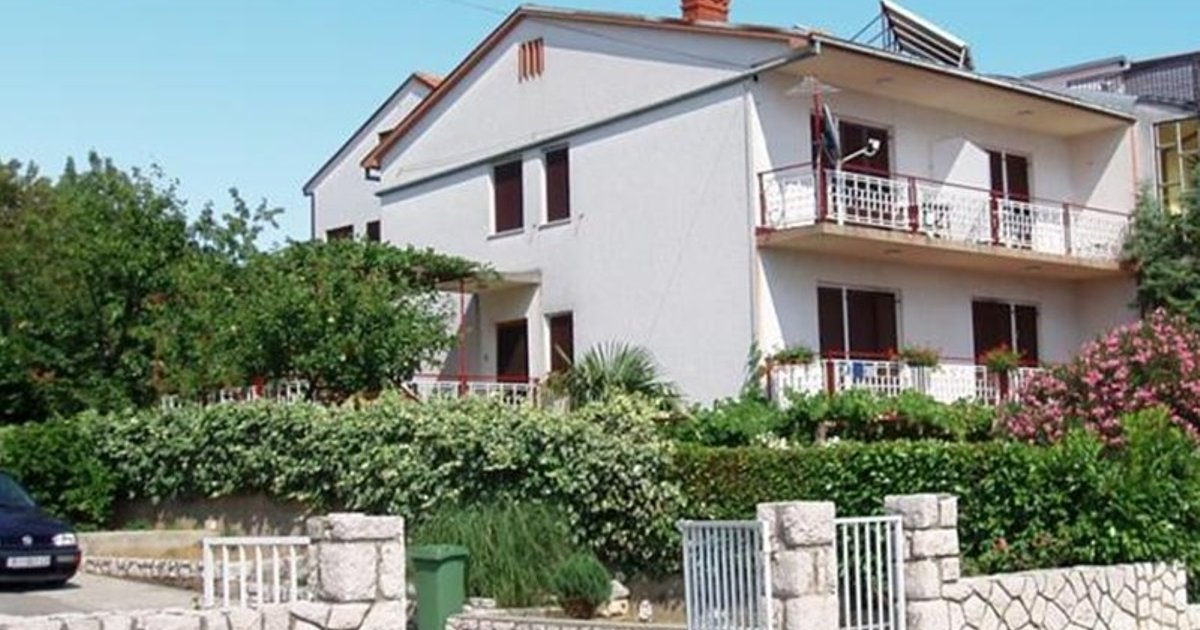 Apartments in Crikvenica 13746B