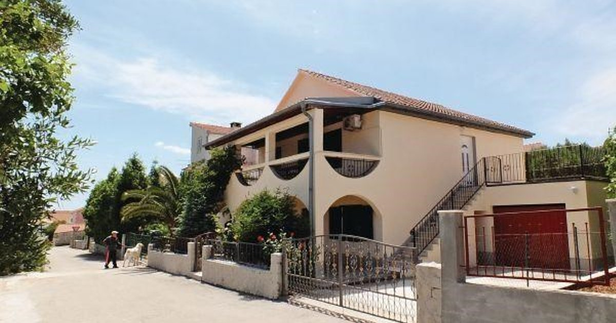 Holiday home Okrug Gornji 51