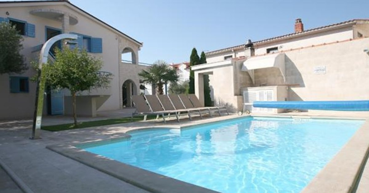 Apartments Villa Pina