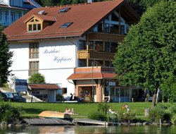 Pets-friendly hotels in Hopfen am See
