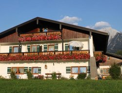 Schoenau am Koenigssee hotels for families with children