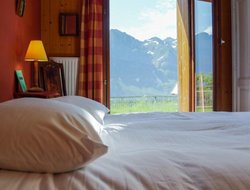 Champery hotels with restaurants