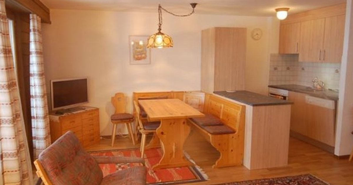 One-Bedroom Apartment Tayannes 223
