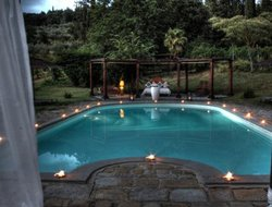 Arezzo hotels with swimming pool