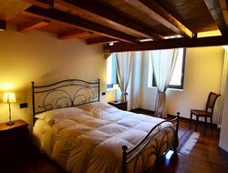 Pets-friendly hotels in Argegno