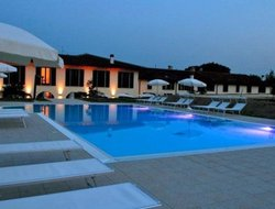 Cavaion Veronese hotels with swimming pool