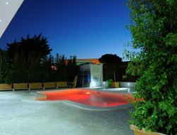 Modugno hotels with swimming pool