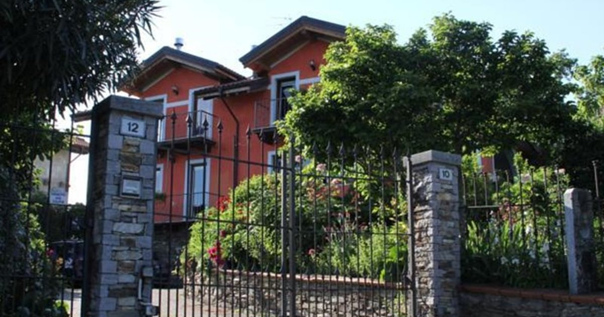 Camera Con Vista Bed & Breakfast Verbania