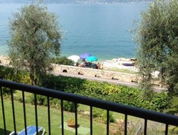 Castelletto di Brenzone hotels with lake view