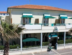 Cecina Marina hotels with sea view
