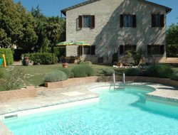 Colle di Val d'Elsa hotels with swimming pool