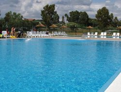 Follonica hotels with swimming pool