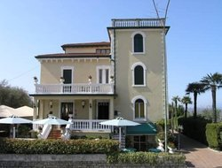 Lazise hotels with restaurants