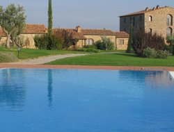 Massa Marittima hotels with swimming pool