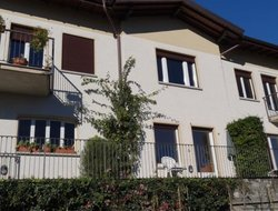 Pets-friendly hotels in Menaggio