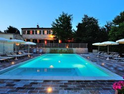 Montemaggiore al Metauro hotels with swimming pool