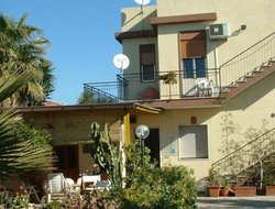 Pets-friendly hotels in Colonia Marina