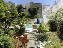 Ostuni hotels with swimming pool