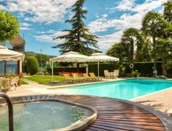 San Martino Buon Albergo hotels with swimming pool