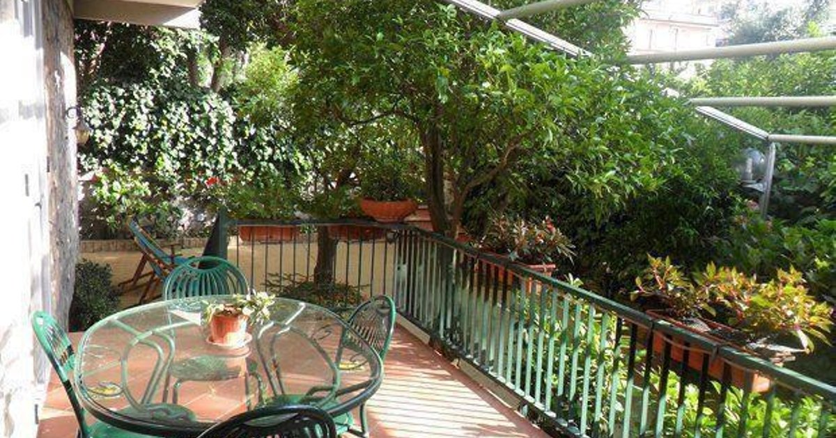 Apartment in Sorrento Centre