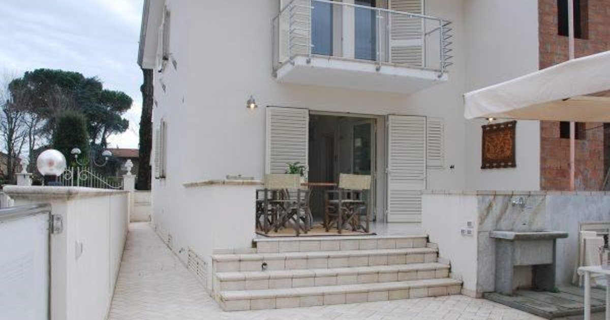 Holiday home Torre del Lago -LU- 33