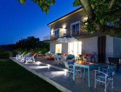 Vasto hotels with sea view