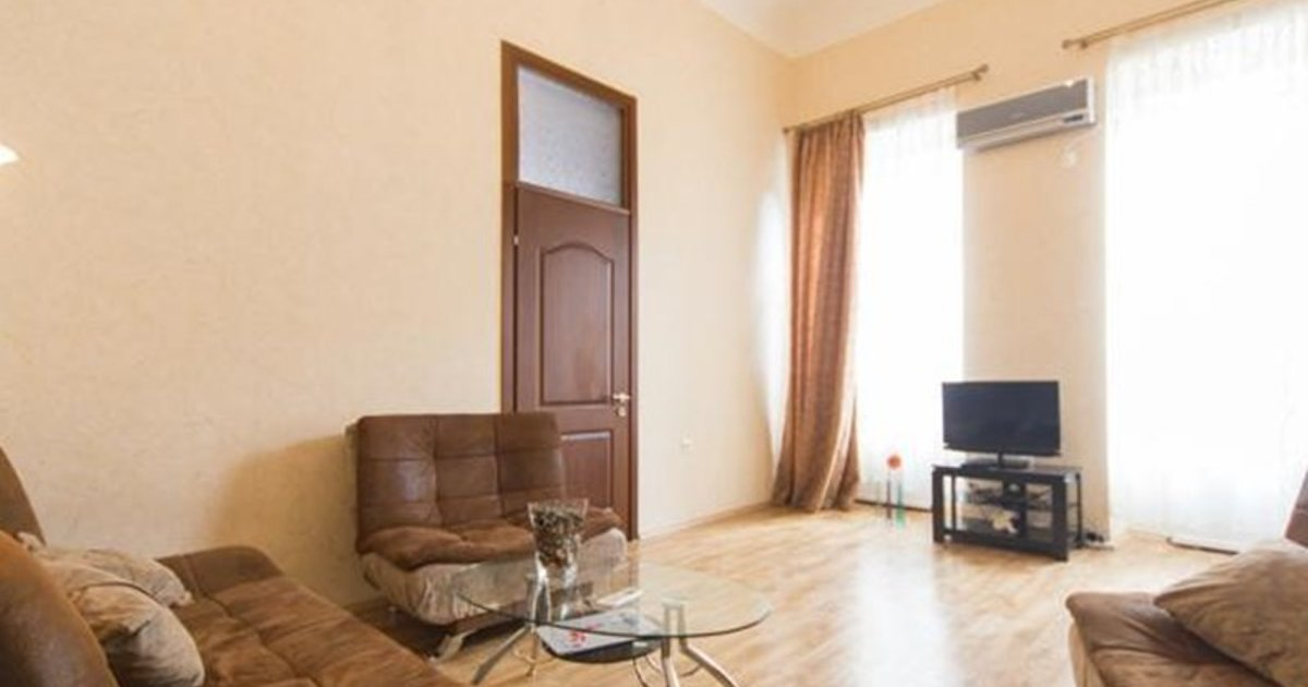 Cozy Apartment at Rustaveli Avenue