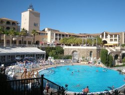 Agay hotels with swimming pool