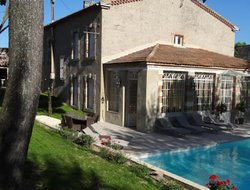 Carcassonne hotels with swimming pool
