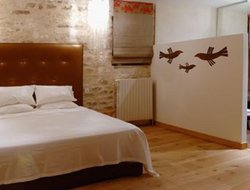 Pets-friendly hotels in Chablis
