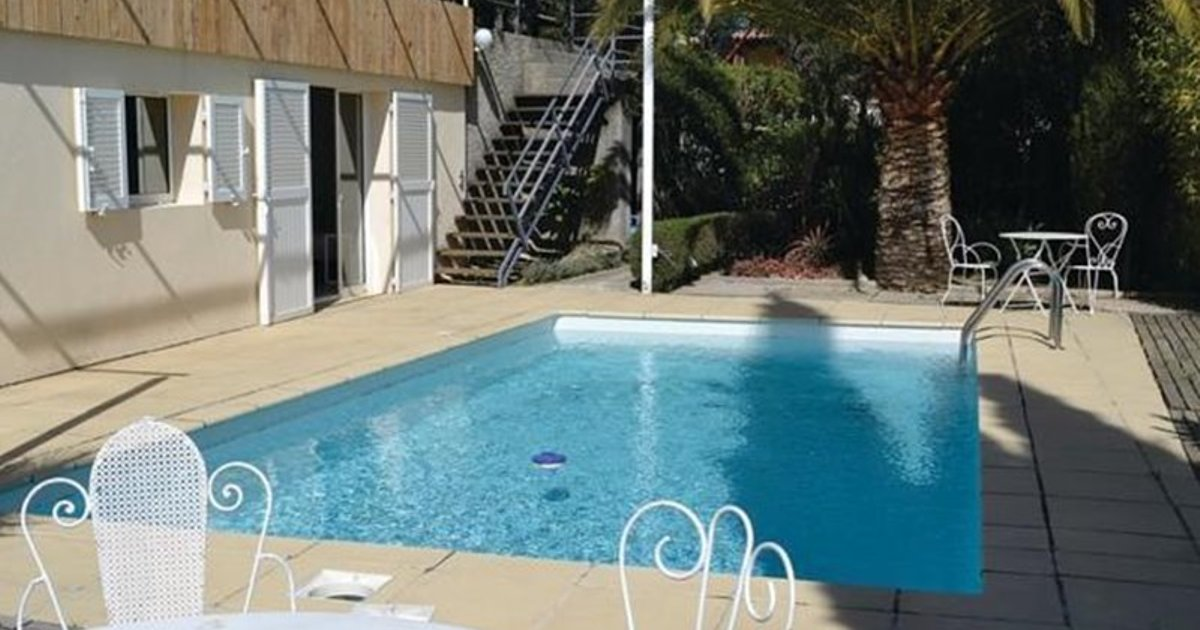 One-Bedroom Holiday home Nice with an Outdoor Swimming Pool 03