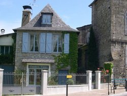 Oloron-Sainte-Marie hotels with restaurants