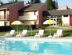 Salies-de-Bearn hotels with swimming pool