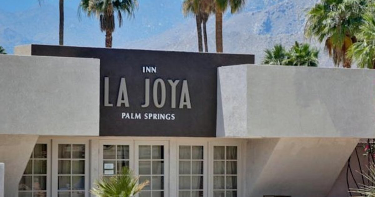 LA JOYA INN A GAY MEN??S CLOTHING OPTIONAL