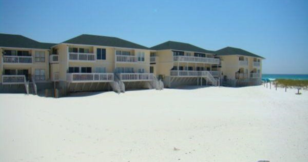 Sandpiper Cove Beachside by Holiday Isle