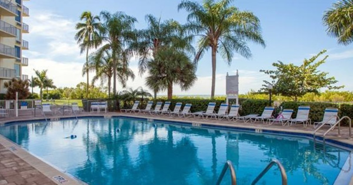 ESTERO BEACH & TENNIS 1108B BY VACATION RENTAL PROS