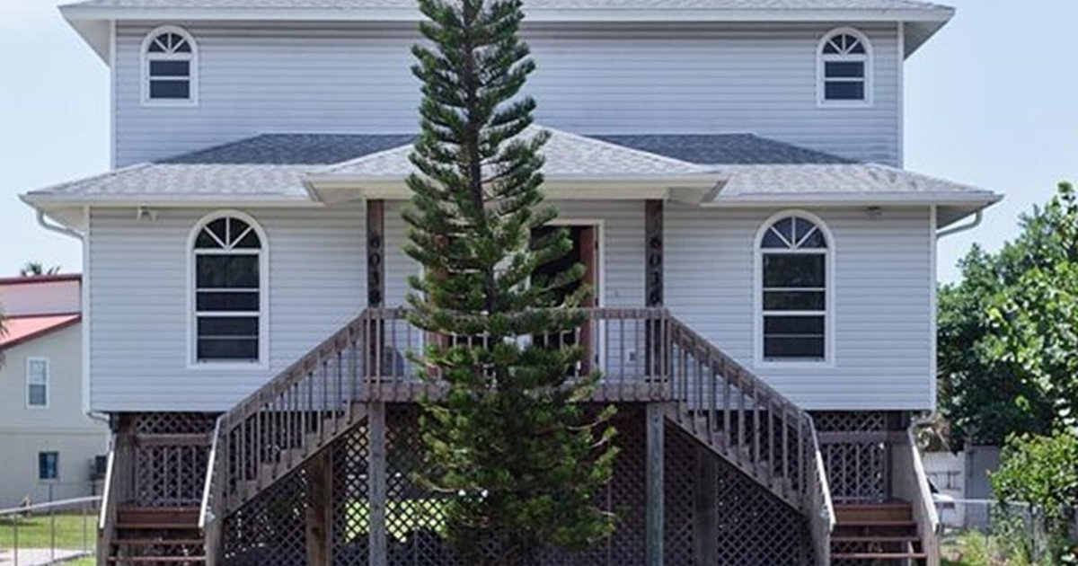 ERWIN??S BEACH HOUSE #1 BY VACATION RENTAL PROS