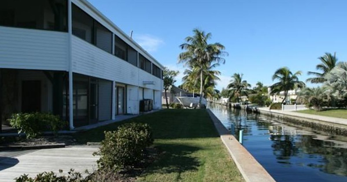 HOLIDAY HOMES ON NORTH LONGBOAT KEY BY RVA