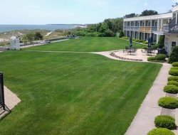 Top-4 hotels in the center of South Yarmouth