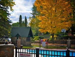 Lake George hotels with swimming pool