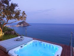 Top-8 romantic Sant Angelo D'Ischia hotels