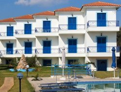 Plomari hotels with swimming pool