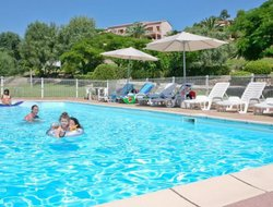 Sari-Solenzara hotels with swimming pool