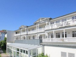 Ostseebad Goehren hotels with swimming pool