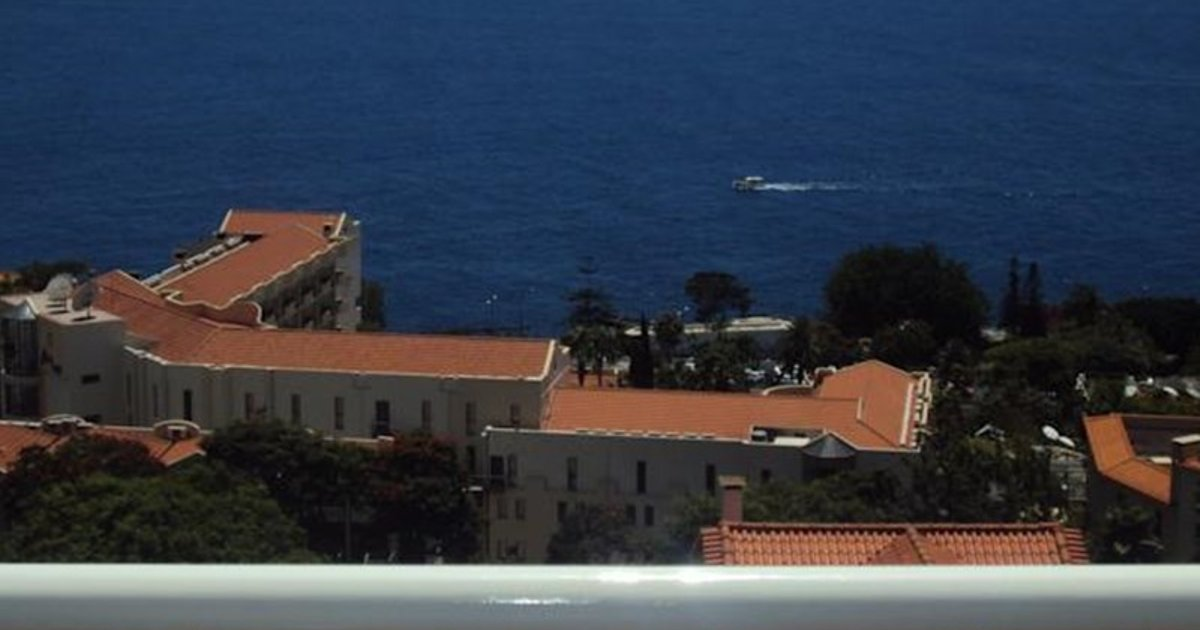 Lido/Funchal Tourist Two Bedroom Apartment