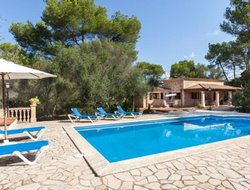 Lloret de Vistalegre hotels with swimming pool