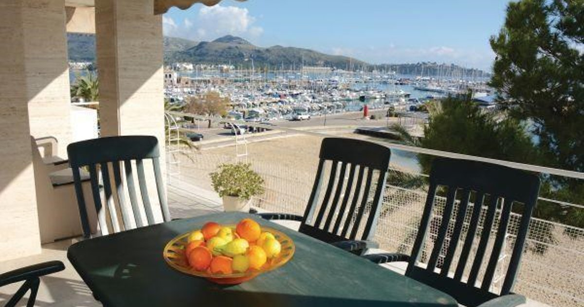Three-Bedroom Apartment Puerto de Pollensa with Sea view 08