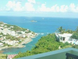Sint Maarten Island hotels with Russian personnel