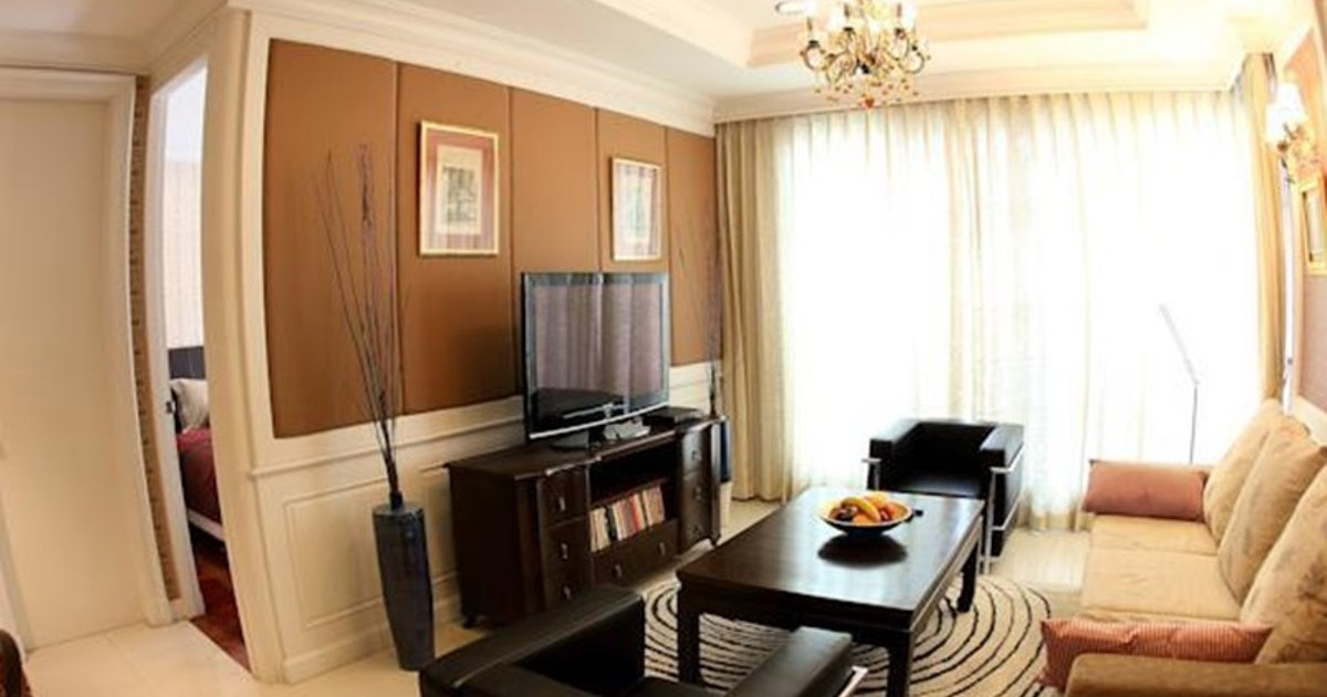 Central Bangkok 2+1 Bedroom Apartment on Soi 18